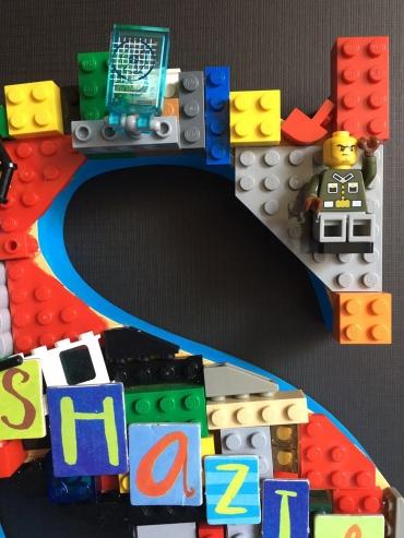 A Lego Dream standing alphabet 2 details