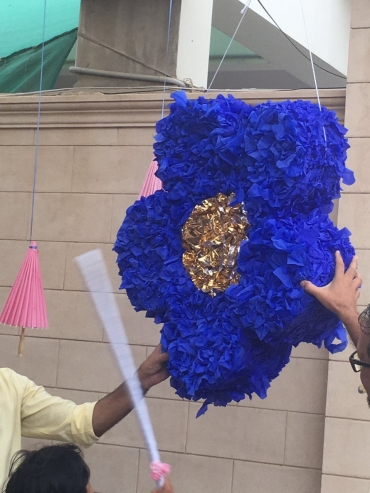 Blue Flower Pinata