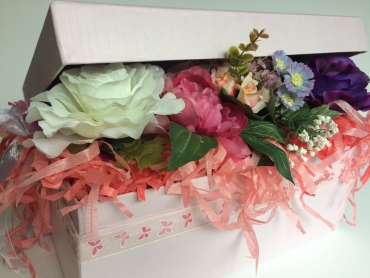 Full of flowers gift box